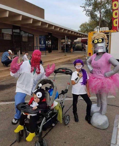 Семейные перевоплощения на хэллоуин (38 фото)