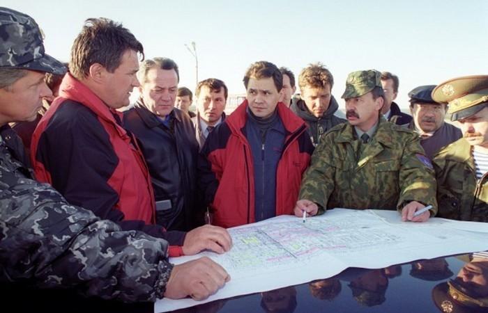 Нефтегорск: российский город, которого не стало (8 фото)