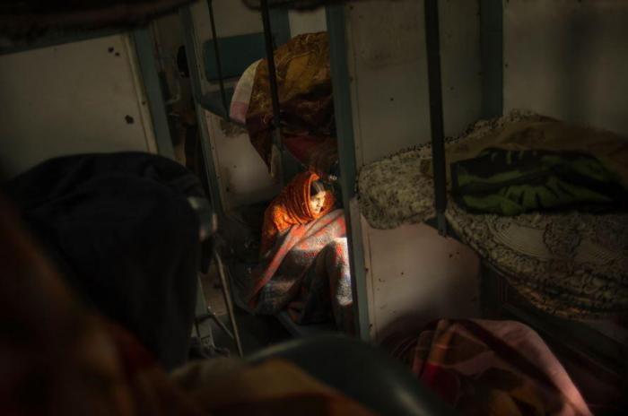 Железные дороги в Индии: ветхие и переполненные (10 фото)