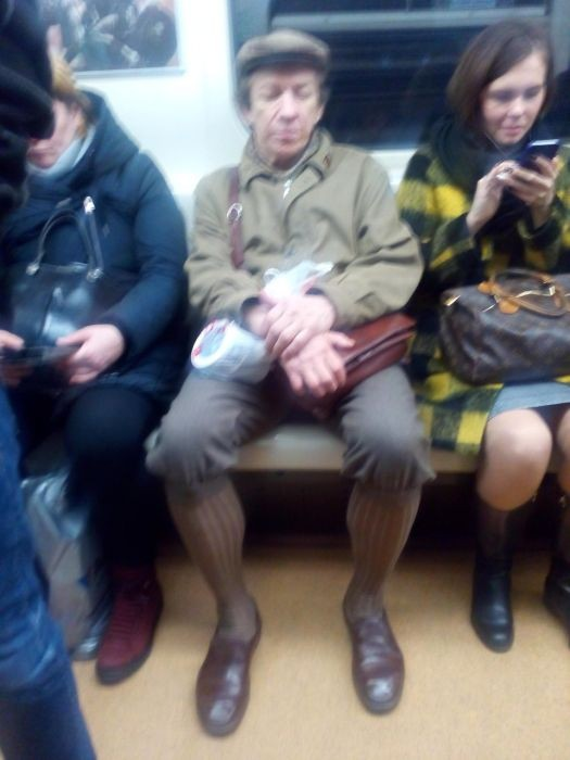 Модные пассажиры метро (28 фото)