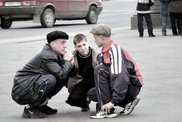Любители сидеть на корточках (18 фото)