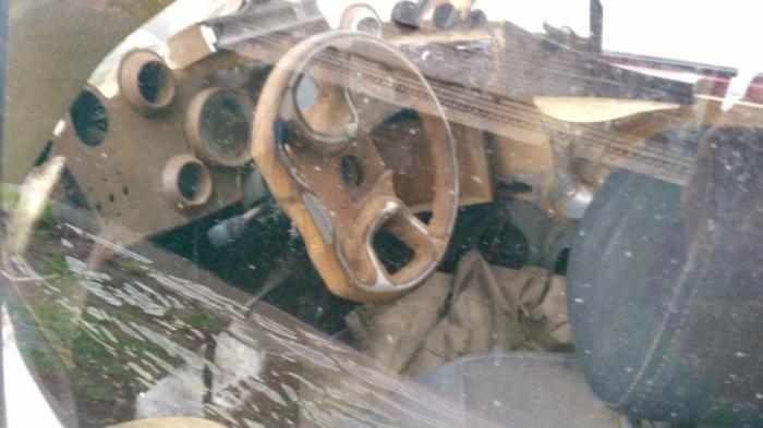 Маленький Фиат превратили в шестиколесного монстра (5 фото)