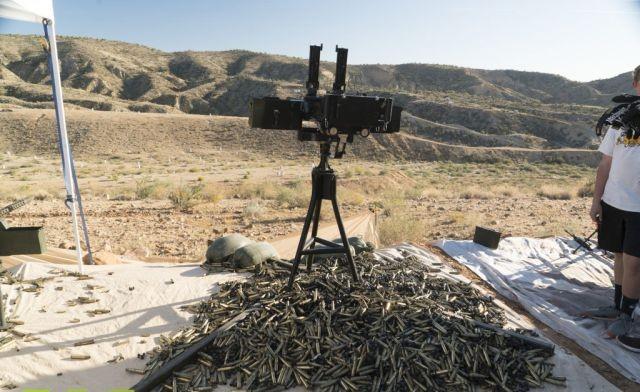 Крупнокалиберное оружие рядовых американцев на фестивале Big Sandy (18 фото)