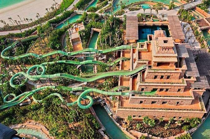 Головокружительные горки в аквапарках (11 фото)