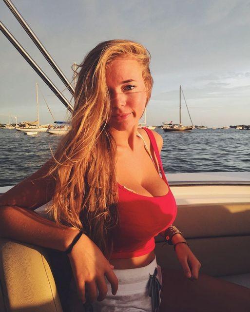 Красивые девушки (33 фото)