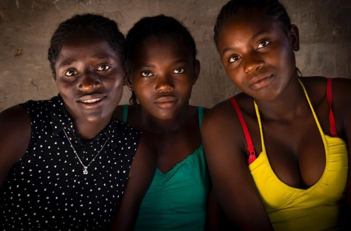Жизнь намибийских племен в фотографиях Эрика Лафорга (21 фото)