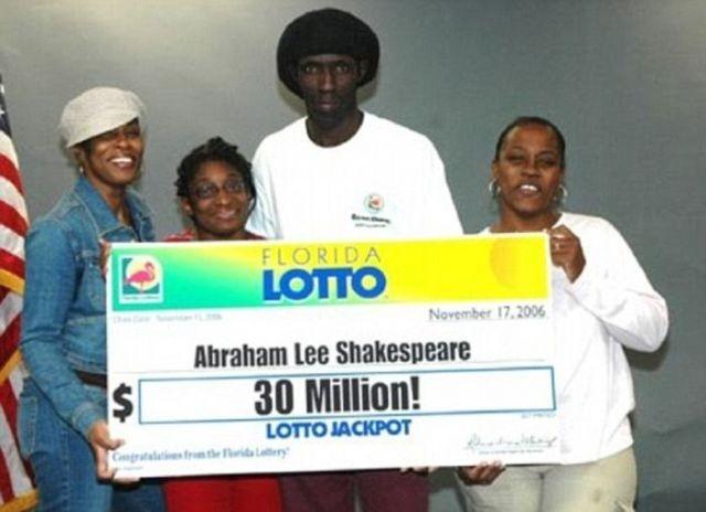 Последствия выигрыша в лотерее (4 фото)