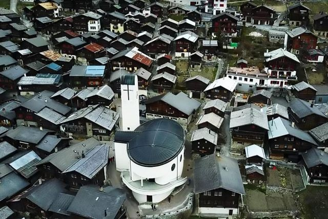 Деревня готова поощрять новых жителей денежными грантами (14 фото)