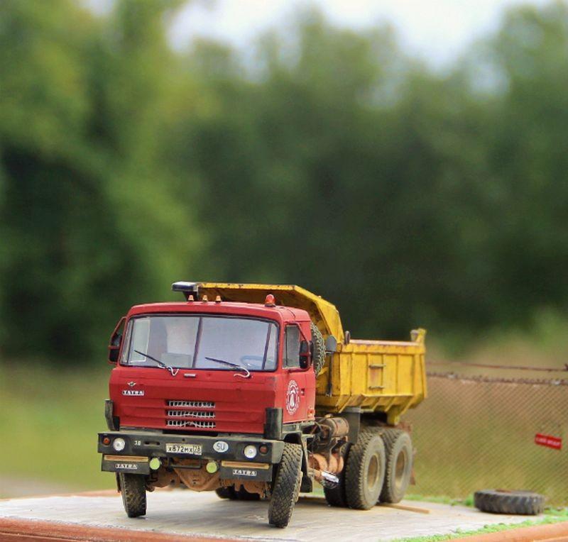 Шикарные автомобильные диорамы с грузовиками и автобусами (44 фото)