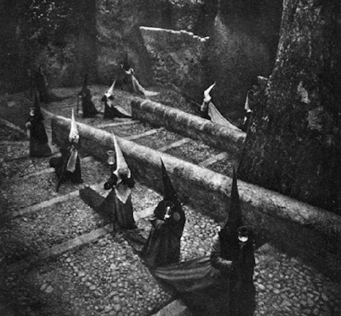 Жуткие черно-белые фото (25 фото)