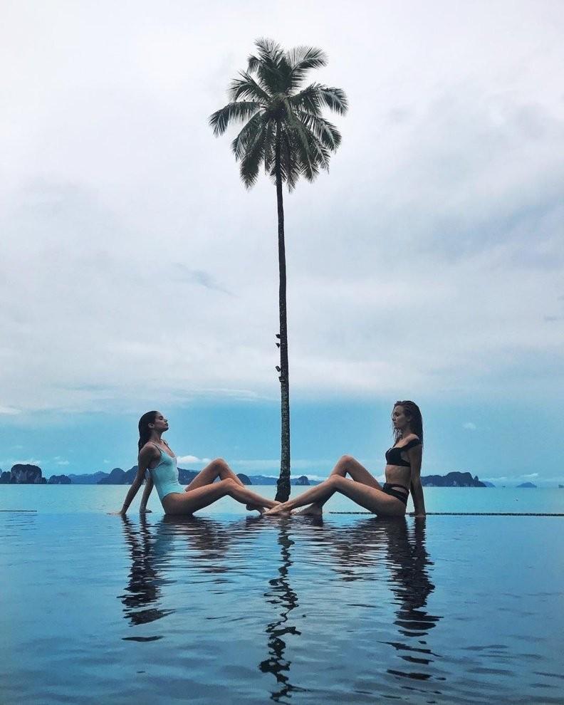 Как модели Victoria's Secret отдыхают на пляже после горячего показа в Шанхае (11 фото)