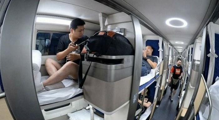 Разницу между плацкартным вагоном в России и Китае (12 фото)