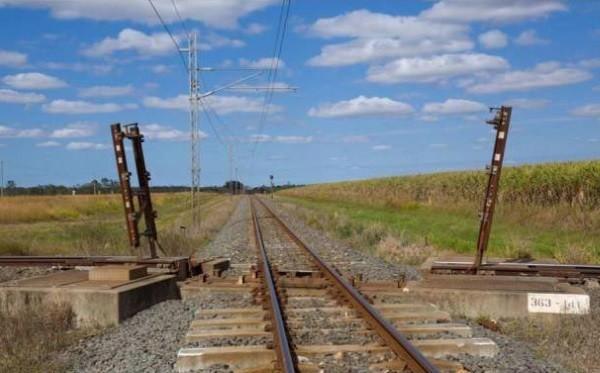 Раздвижная железная дорога (2 фото)