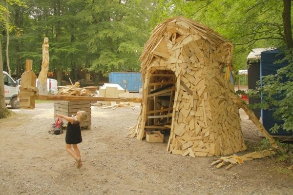 Гигантские скульптуры из дерева (6 фото)