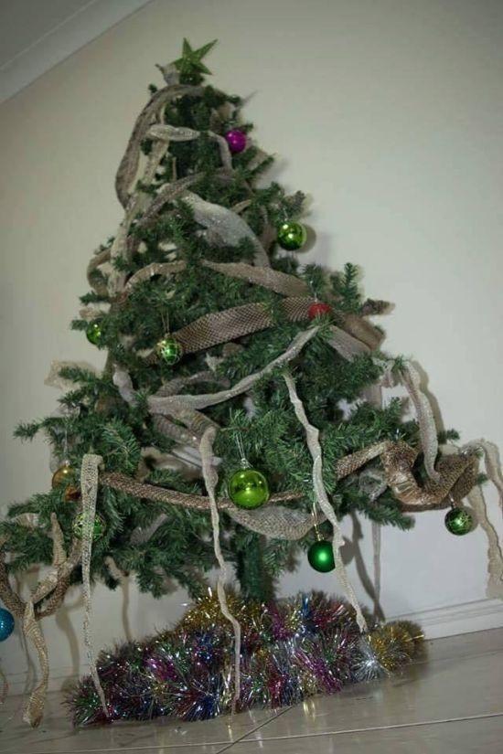 Рождественская елка в Австралии (2 фото)
