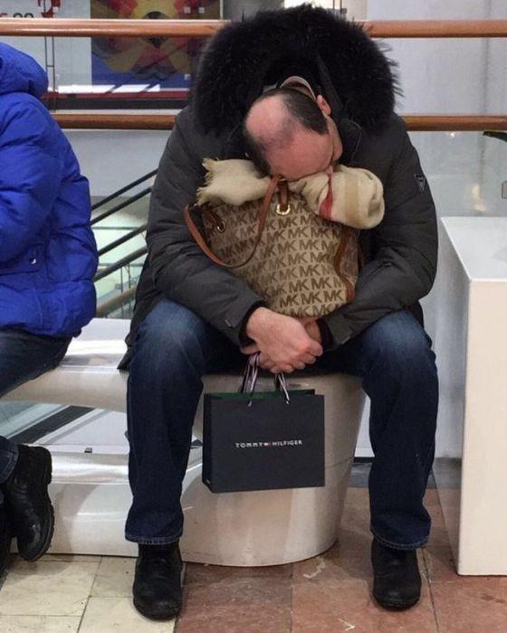 Мужчины и шопинг (32 фото)