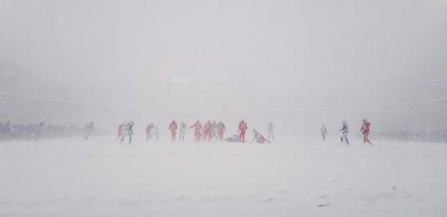 «Самый зимний» матч по американскому футболу (9 фото)
