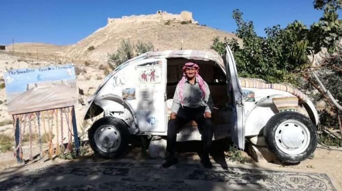 Мини-отель из старого Volkswagen в Иордании (9 фото)