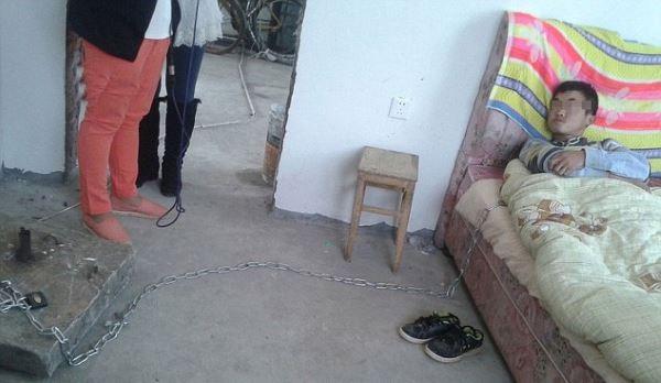 Вор на цепи (5 фото)