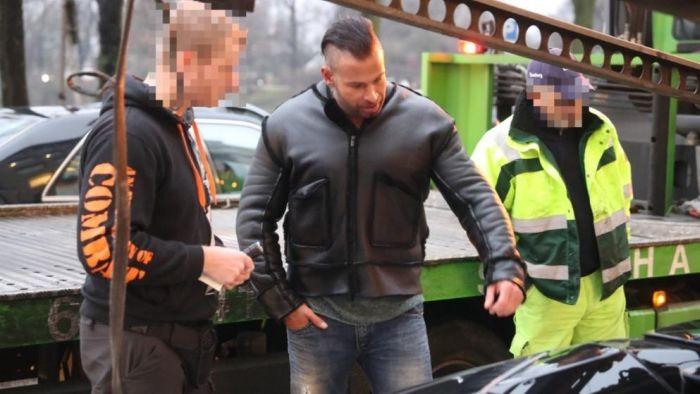 У бывшего футболиста отобрали слишком шумный суперкар Lamborghini (6 фото)