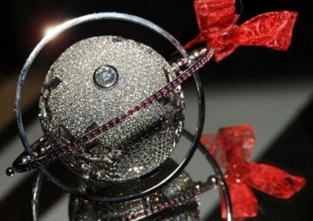 Невероятно красивые ёлочные игрушки (10 фото)