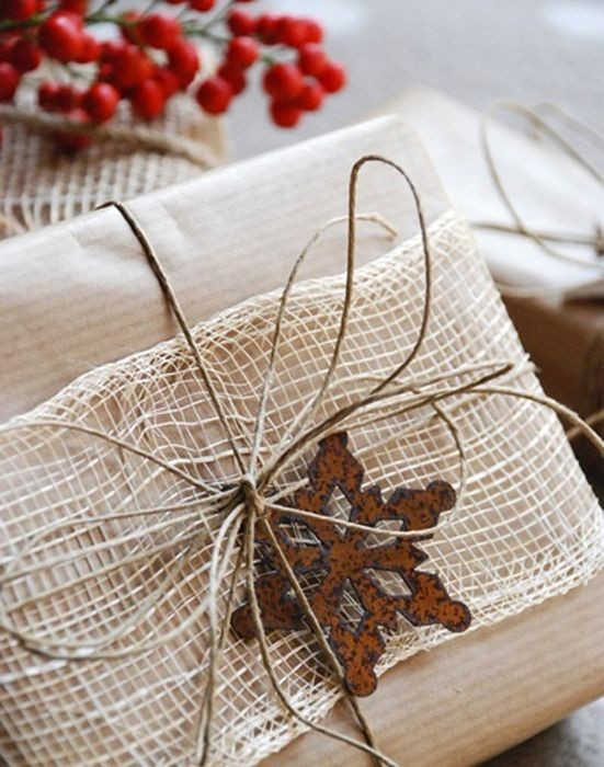 Крутые примеры того, как нужно упаковывать новогодние подарки (30 фото)