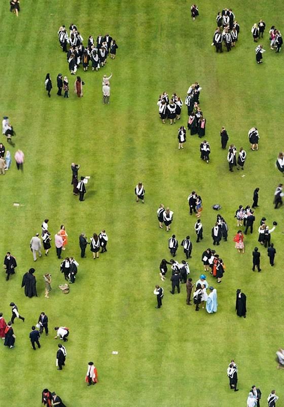Захватывающие снимки толпы с высоты (8 фото)