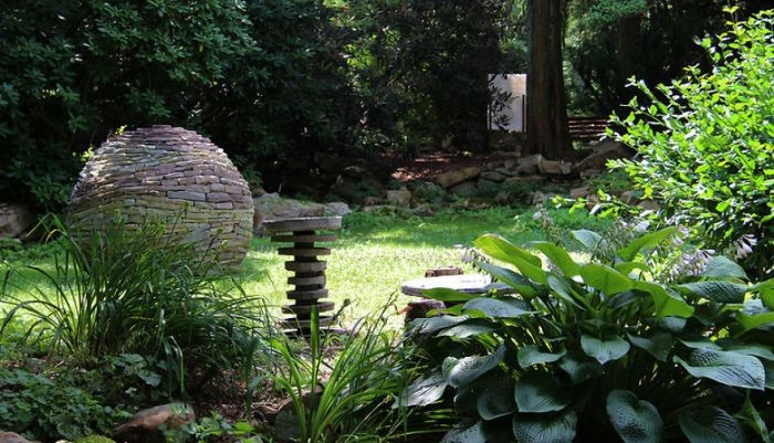 Каменные декорации без клея и цемента (14 фото)