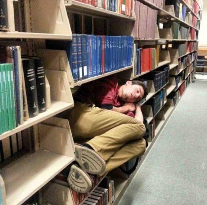 Люди, нуждающиеся во сне (26 фото)