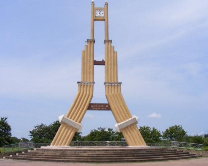 Невероятные и изумительные часовые башни (10 фото)