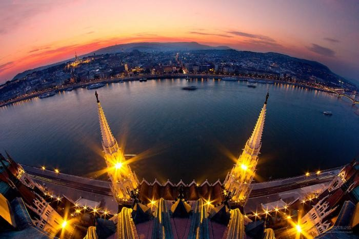 Фантастические закаты и рассветы Будапешта (18 фото)