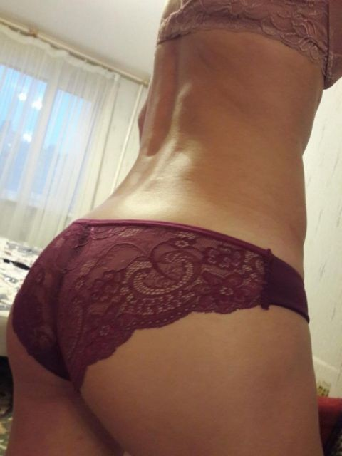 Девушки демонстрируют белье, купленное в интернете (34 фото)