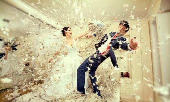 Платье в хлам — чумовой тренд свадебной фотографии (26 фото)