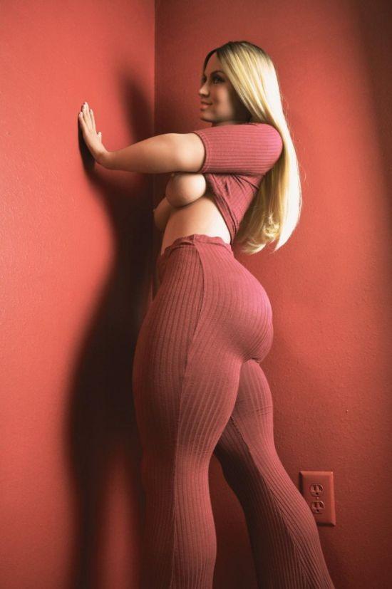 Невероятно реалистичная секс-кукла Габриэлла (7 фото)