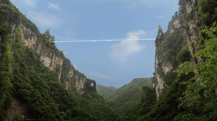 Головокружительные места в мире для тех, кто не боится высоты (9 фото)