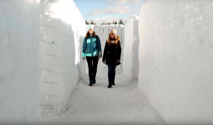 Самый большой в мире снежный лабиринт открылся в Польше (9 фото)