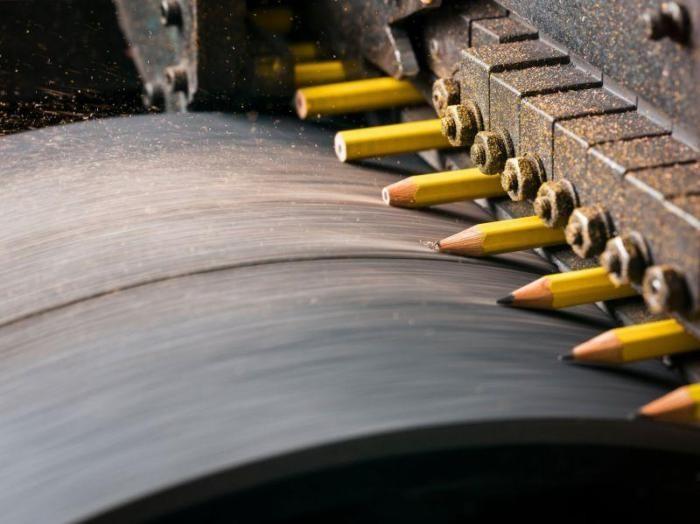 Как производятся карандаши: экскурсия по заводу (18 фото)