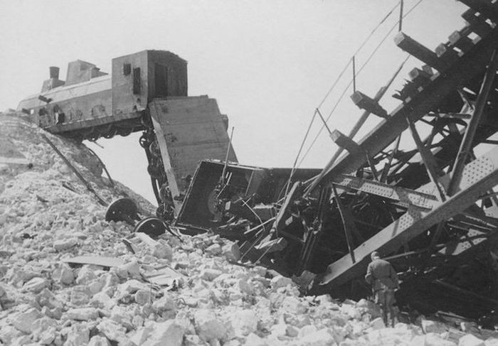 Потерянные советские бронепоезда на немецких фото (40 фото)