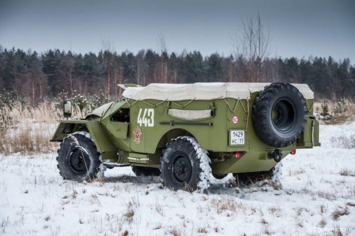 Тест-драйв советского бронетранспортера БТР-40 (19 фото)