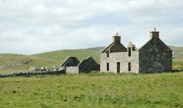 Остров в Шотландии выставили на продажу (4 фото)