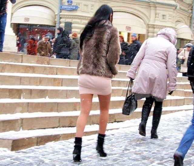 Студентка из Астаны обморозила ноги, одевшись не по погоде (3 фото)
