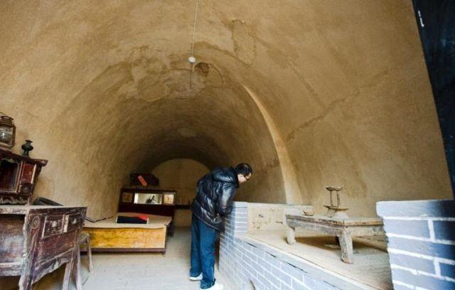 Подземные жилища китайцев (23 фото)