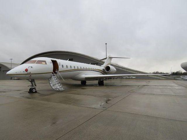 В частном самолете обнаружили кокаин на 70 млн долларов (3 фото)