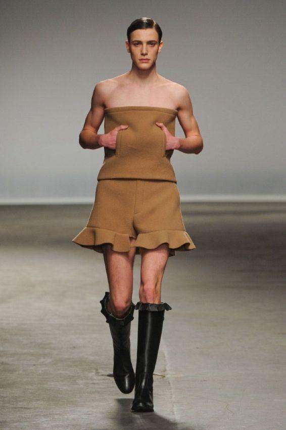 С мужской модой творится какая-то чертовщина (17 фото)