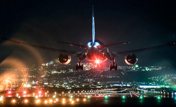 Великолепные снимки самолетов, какими их не видят пассажиры (14 фото)