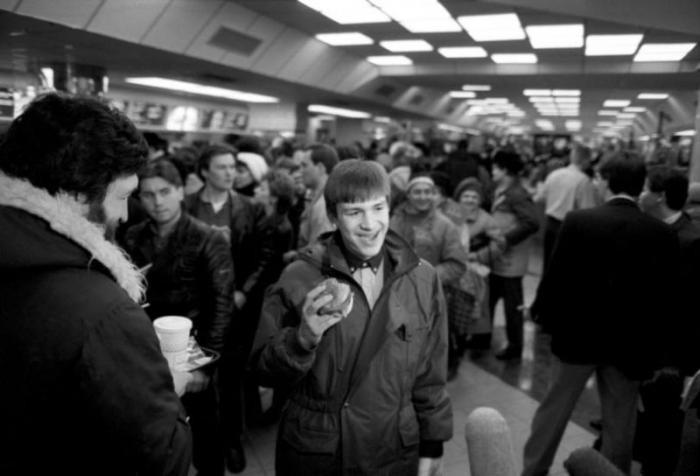 Как McDonald's победил СССР (6 фото)
