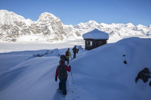 Отель для любителей уединения на Аляске (9 фото)