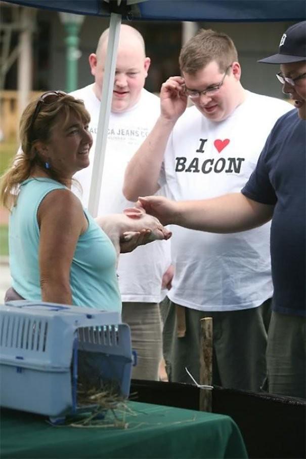 Они надели футболки исключительно к месту! (42 фото)