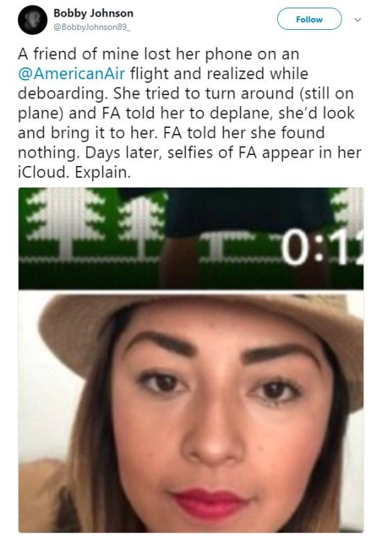 Стюардесса разоблачила саму себя, сделав селфи на телефон пассажирки (2 фото)