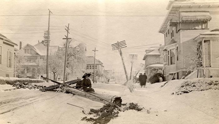 Самые сильные снегопады в истории (10 фото)